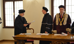 American Juris Doctor and Psychologist Mark Small has been awarded the honorary doctorate by the Rector of the University of South Bohemia