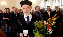 University of South Bohemia awarded title doctor honoris causa to world known physicist
