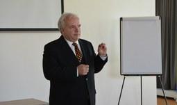 Europoslanec Pavel Svoboda navštívil naši univerzitu