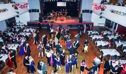 Fotogalerie z XX. Reprezentačního plesu Jihočeské univerzity