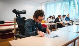 Francouzský student se zdravotním postižením si splnil svůj sen
