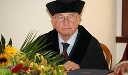 Mimořádné číslo Filosofického časopisu se věnuje významnému filozofovi prof. Stanislavu Sousedíkovi