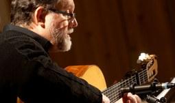 Na Adventním koncertu JU zahrál Michal Hromek Consort