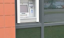 Od příštího týdne bude v kampusu zprovozněn bankomat