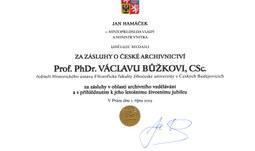 Prof. PhDr. Václav Bůžek, CSc., převzal medaili Za zásluhy o české archivnictví