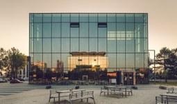 Provoz Akademické knihovny Jihočeské univerzity je částečně obnoven. Knihy musí po vrácení do karantény.