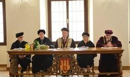 Rektor Jihočeské univerzity udělil čestný doktorát americkému právníkovi a psychologovi Marku Smallovi