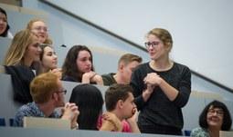 Sedmačtyřicet cizinců se na Filozofické fakultě učí češtinu v rámci Letní školy slovanských studií