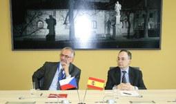 Univerzitu navštívil španělský velvyslanec