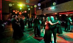 Vstupenky na ples Jihočeské univerzity jsou vyprodané