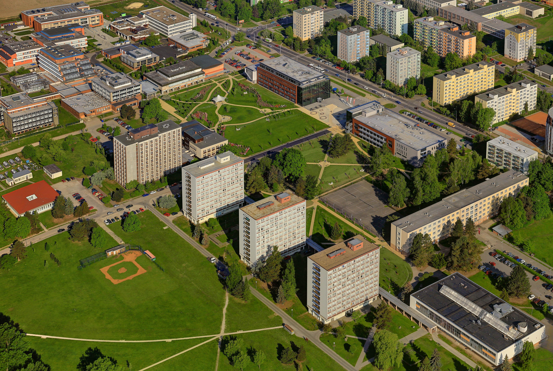 Letecký pohled na kampus