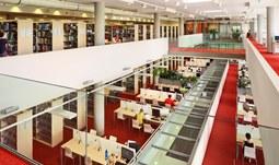 5. 2. 2015/Akademická knihovna Jihočeské univerzity slaví pět let