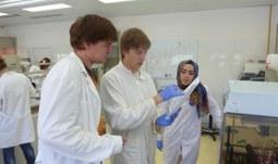 9. 10. 2017/JU a Univerzita Johanna Keplera v Linci slaví 10. výročí unikátního společného přeshraničního studijního oboru Biological Chemistry